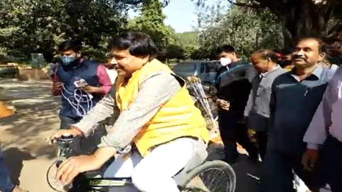 Election ends, Energy Minister Pradyuman Singh Tomar