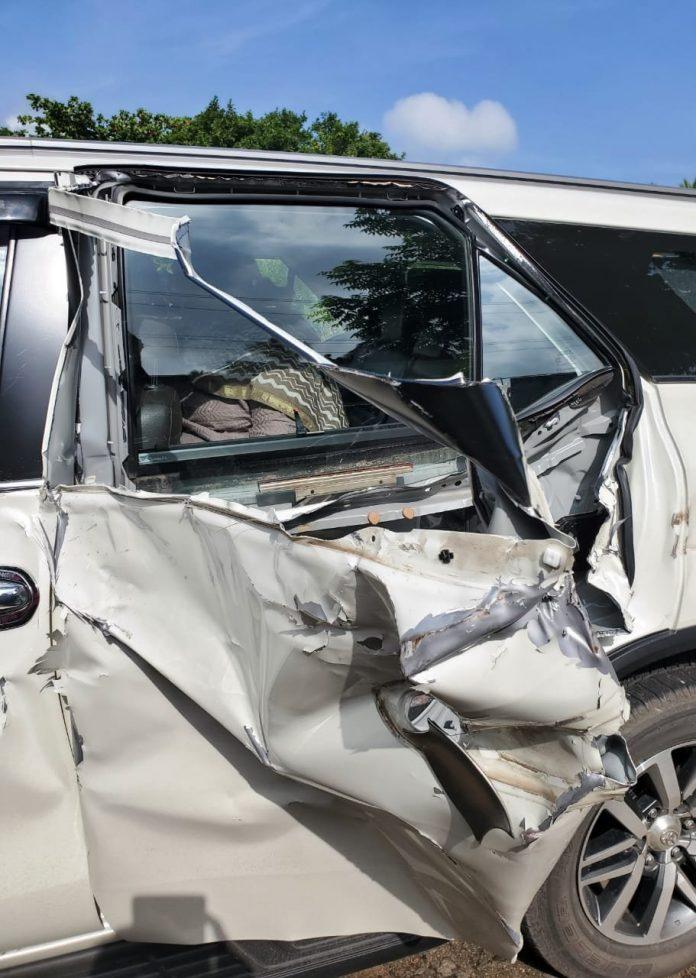 Child leader survived in road accident with BJP leader Khushboo Sundar,